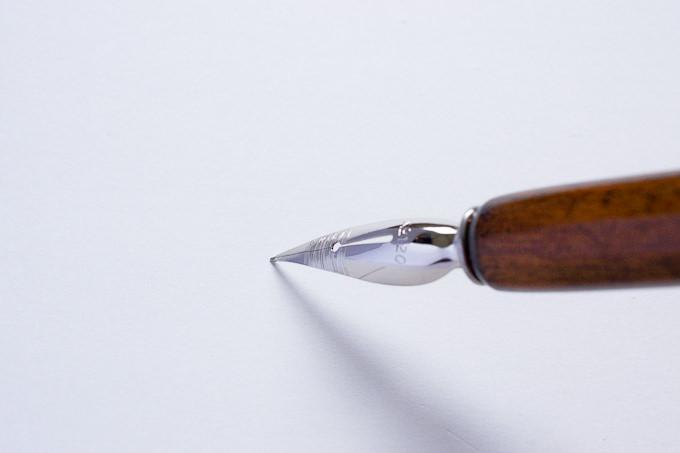 線を書きやすいペン先の角度